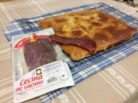 Empanada elaborada con cecina de León