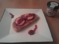 Fácil aperitivo con una tosta mi-cuit  con crema de cecina