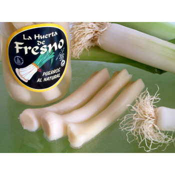 Raw natural leeks Huerta del Fresno
