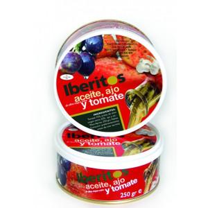 Tomato, olive oil and garlic. Iberitos